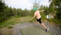 Kuukanniemen asuinalueella sijaitseva frisbeegolf-rata